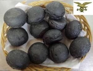 YOUTUBE Puglia, pane carbone vegetale con colorante vietato