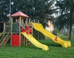 Parco giochi vietato se papà e mamma non pagano Tari e Tasi