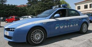 Roma, lui picchia donna in strada: autista lo investe