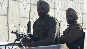 India, commando attacca base aerea in Punjab: 9 morti