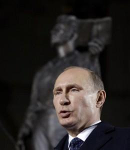 """Putin liquida Lenin: """"Le sue idee hanno distrutto la Russia"""""""