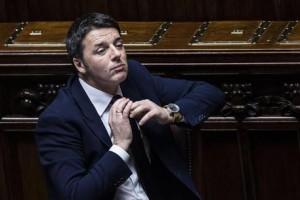 """Renzi al Senato: """"Referendum, vediamo con chi sta il popolo"""""""