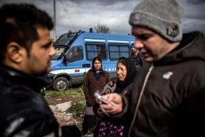 Guarda la versione ingrandita di Roma, raccolta rifiuti nei campi rom ci costerà 600mila euro