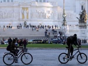 Roma, blocco auto domenica 31 gennaio: orari