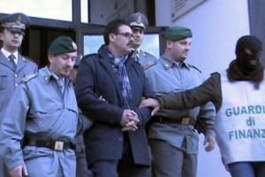 Boss Savinuccio Parisi scarcerato: fuochi d'artificio a Bari