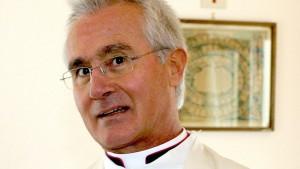 Mons. Nunzio Scarano: condannato per calunnia, no corruzione