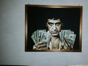 """Vincenzo Florio, capo gang rapine con """"Scarface"""" alla parete"""