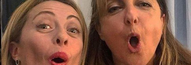 Gi Meloni approva imitazione Reggiani: SELFIE insieme