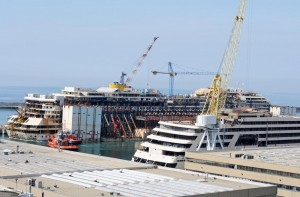 Guarda la versione ingrandita di Costa Concordia, 4 anni fa naufragio al Giglio FOTO VIDEO