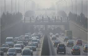 Smog, Napoli stop blocco auto. Roma e Milano: aria a norma