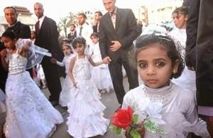 Afghanistan, sposa bimba di 10 anni si impicca in casa