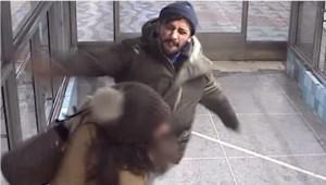 YOUTUBE Mamma ferma ladro in stazione, lui la picchia