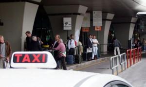 Guarda la versione ingrandita di Taxi all'aeroporto di Fiumicino