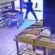 YOUTUBE Sparatoria a Tel Aviv: il video dell'attacco 13