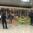 Roma, paura Stazione Termini: uomo armato, ma era giocattolo04