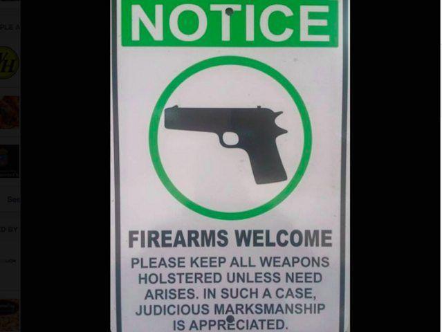 Texas, al ristorante con pistola. Chef: così ubriachi armati 2