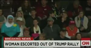 Comizio Donald Trump: musulmana manifesta, cacciata