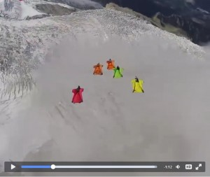 Guarda la versione ingrandita di Tuta Alare, il volo non finisce più... VIDEO