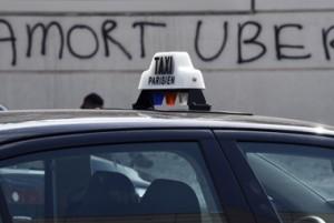 Uber, mini-multa e tassisti Francia continuano sciopero
