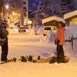 YOUTUBE Val d'Isere, Magaluf su neve: inglesi ubriachi e...5