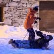 YOUTUBE Val d'Isere, Magaluf su neve: inglesi ubriachi e...4