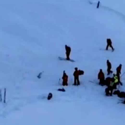 Valanga sulle Alpi travolge scolaresca: 3 morti, 3 feriti05