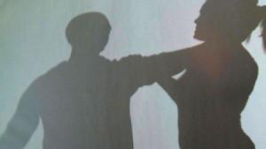 Chivasso, disoccupato violenta donna nel parcheggio ospedale