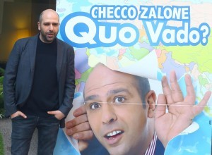 Guarda la versione ingrandita di Checco Zalone (foto Ansa). Cesare Lanza analizza similitudini e differenze con Matteo Renzi