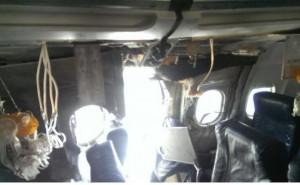 YOUTUBE Squarcio in cabina aereo, passeggeri filmano incidente 01