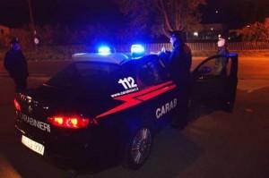Savona: gli tagliano gomme, lo inseguono e gli rubano soldi