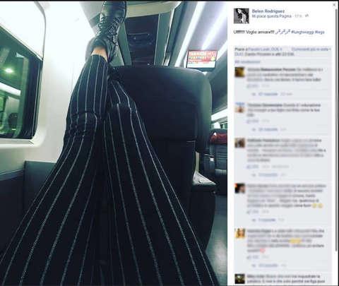 Belen, piedi su sedile di fronte in treno. Massacro sul web