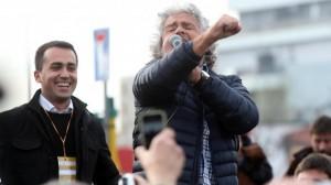 Beppe Grillo non fa ridere più, pochi applausi, da serie B..