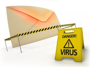 Guarda la versione ingrandita di Phishing e virus sulla mail: non aprite questo allegato