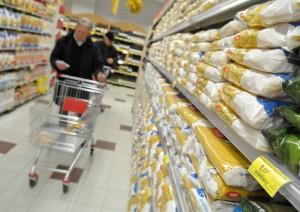 Eurospin ritira il latte parzialmente scremato UHT Land (foto Ansa)