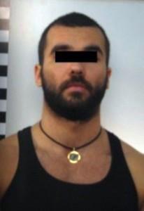 Stuprata e costretta a mangiare feci: romeno la torturava così