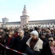 Funerale Umberto Eco, folla al Castello Sforzesco 07