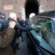 Funerale Umberto Eco, folla al Castello Sforzesco 08