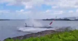 YOUTUBE Hawaii, elicottero precipita in mare a Pearl Harbor