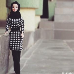 Guarda la versione ingrandita di Hijarbie, ecco la Barbie con il velo islamico FOTO