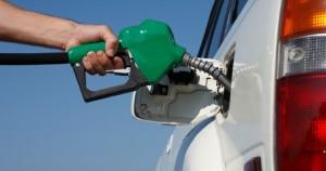 Auto: in Italia mantenerla costa 700 euro al mese
