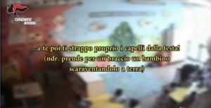 Modena, maestra picchiava e bestemmiava contro bambini asilo3