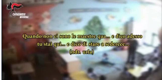 Modena, maestra picchiava e bestemmiava contro bambini asilo4