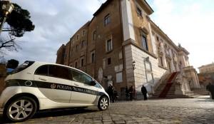 Roma, prende 1063 multe. E le auto erano intestate a... (foto Ansa)
