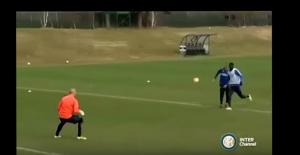 Guarda la versione ingrandita di VIDEO YOUTUBE - Mancini eurogol in allenamento