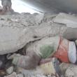 Siria, bimbo sotto le macerie: video choc del salvataggio