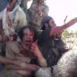 YOUTUBE Gheddafi sanguinante poco prima di morire 4