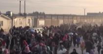 Siria, esodo  di massa  La Turchia  chiude i confini
