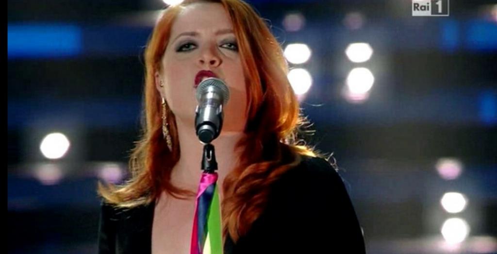 Festival di Sanremo, omaggio a Bowie e coppie gay