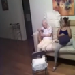 Video choc: badante picchia anziana malata di Alzheimer 2