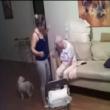 Video choc: badante picchia anziana malata di Alzheimer 4